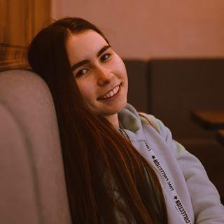 alenka_radchenko Instagram filters profile picture