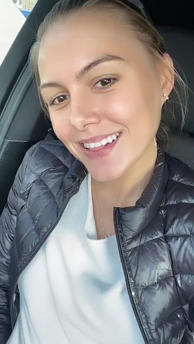 Instagram filter Hollywood smile