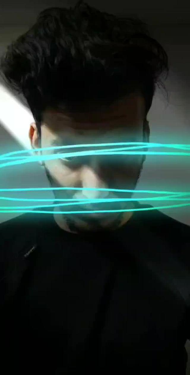 Instagram filter Glowing Thread