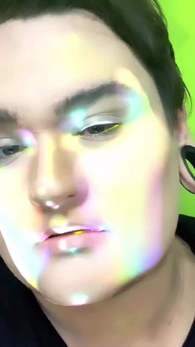 Instagram filter HolographiC