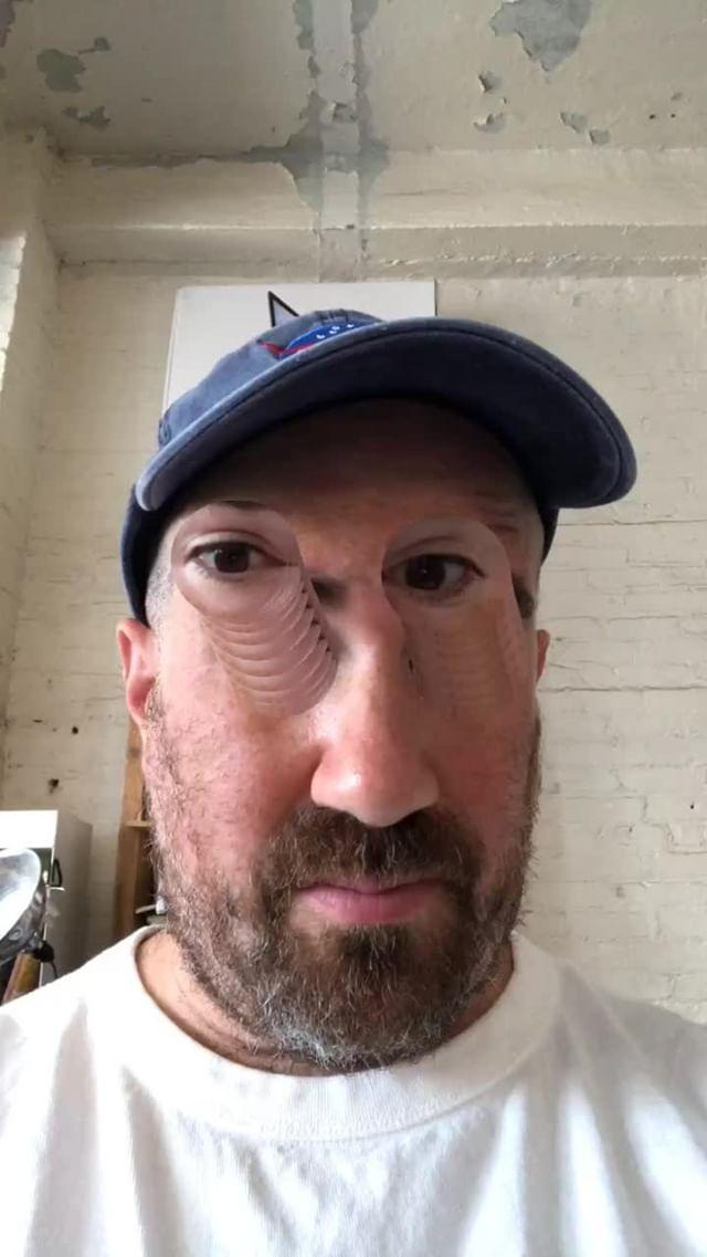 Instagram filter eye pull
