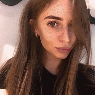 batalova_v Instagram filters profile picture
