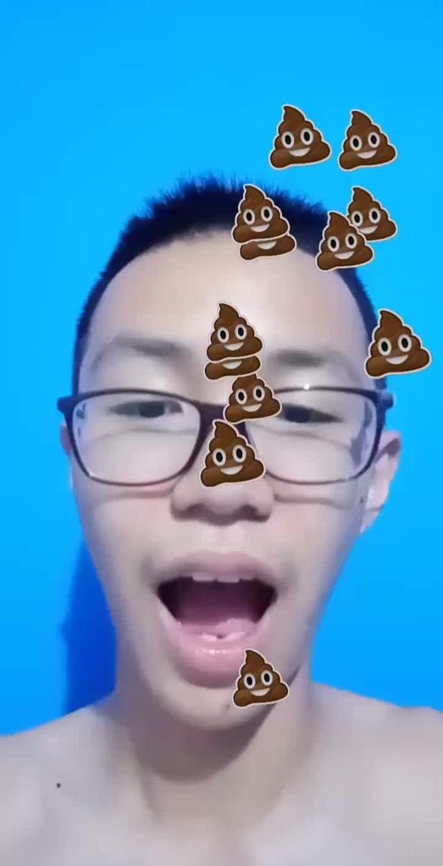 reynardoew Instagram filter Raining Poop