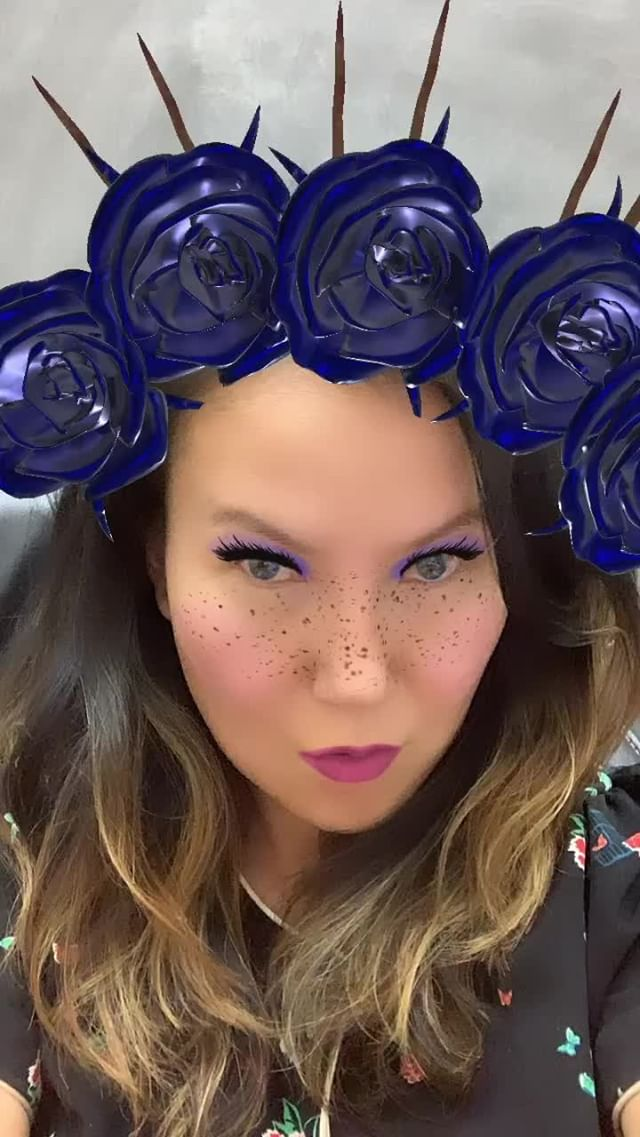 Instagram filter Blue Roses Crown
