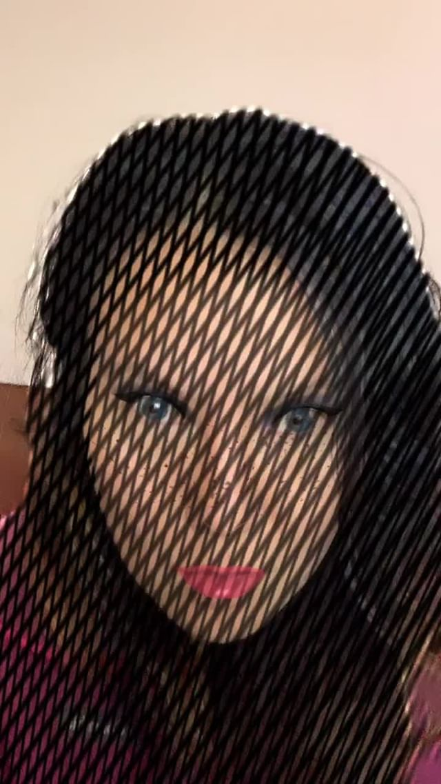Instagram filter Fishnet Human