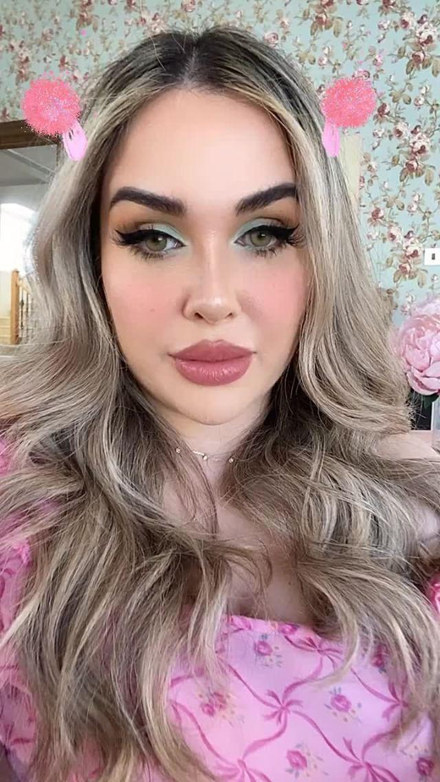 sophie Instagram filter Candy Pom
