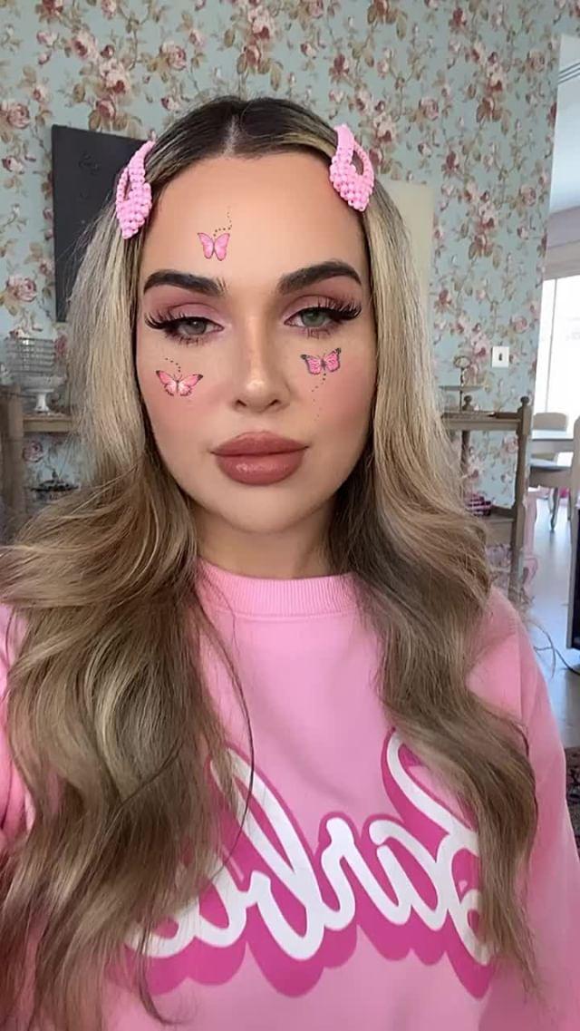 sophie Instagram filter Butterfly Pink II