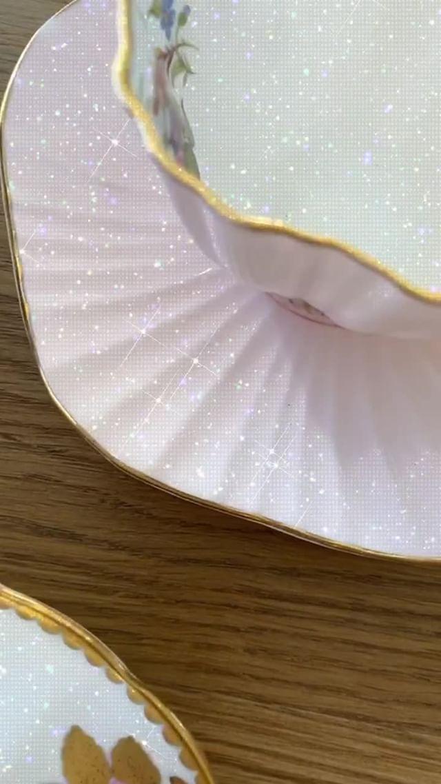 sophie Instagram filter Diamonds on White