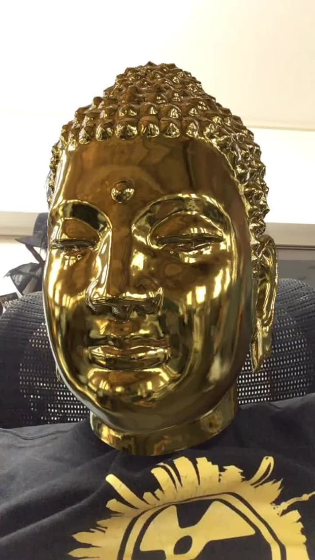 Instagram filter Buddha-Gold