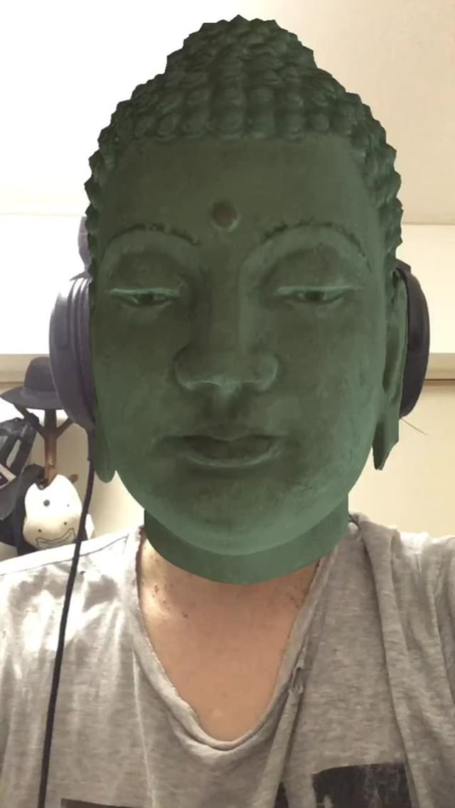Instagram filter Buddha-Bronze