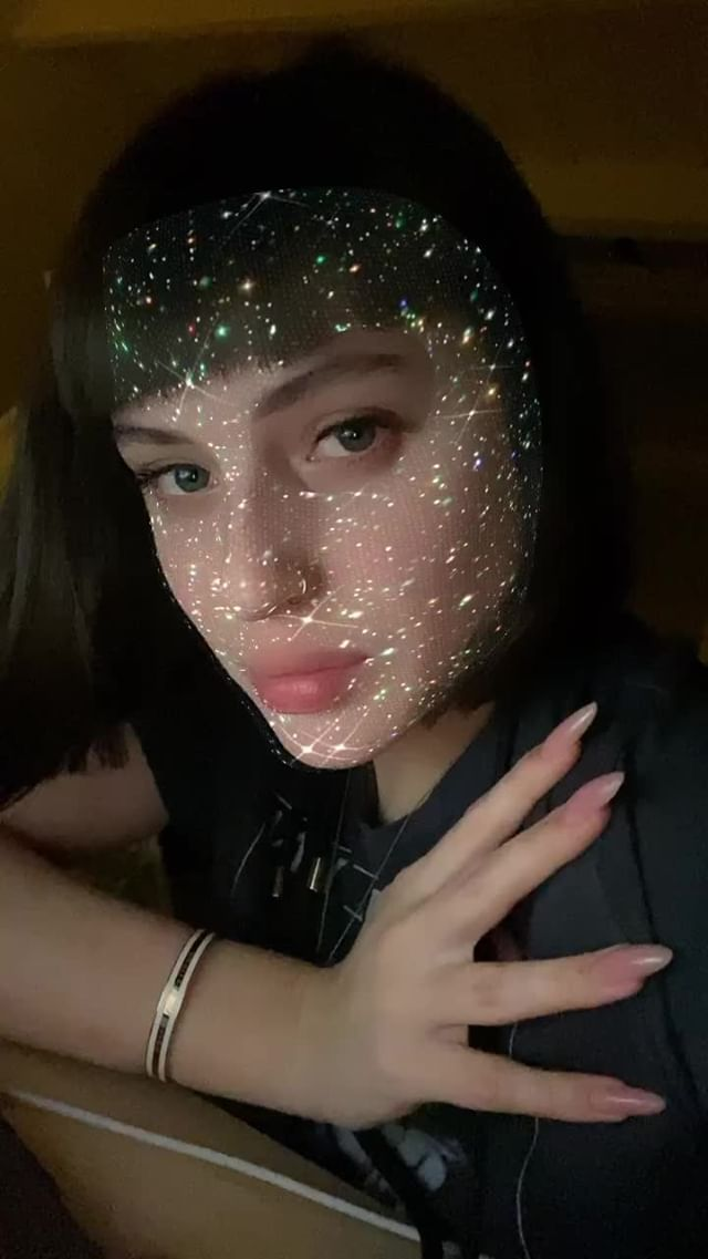 Instagram filter Glitter Face