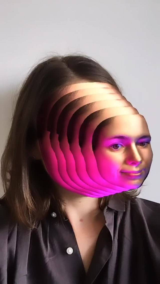 Instagram filter Slinky Face