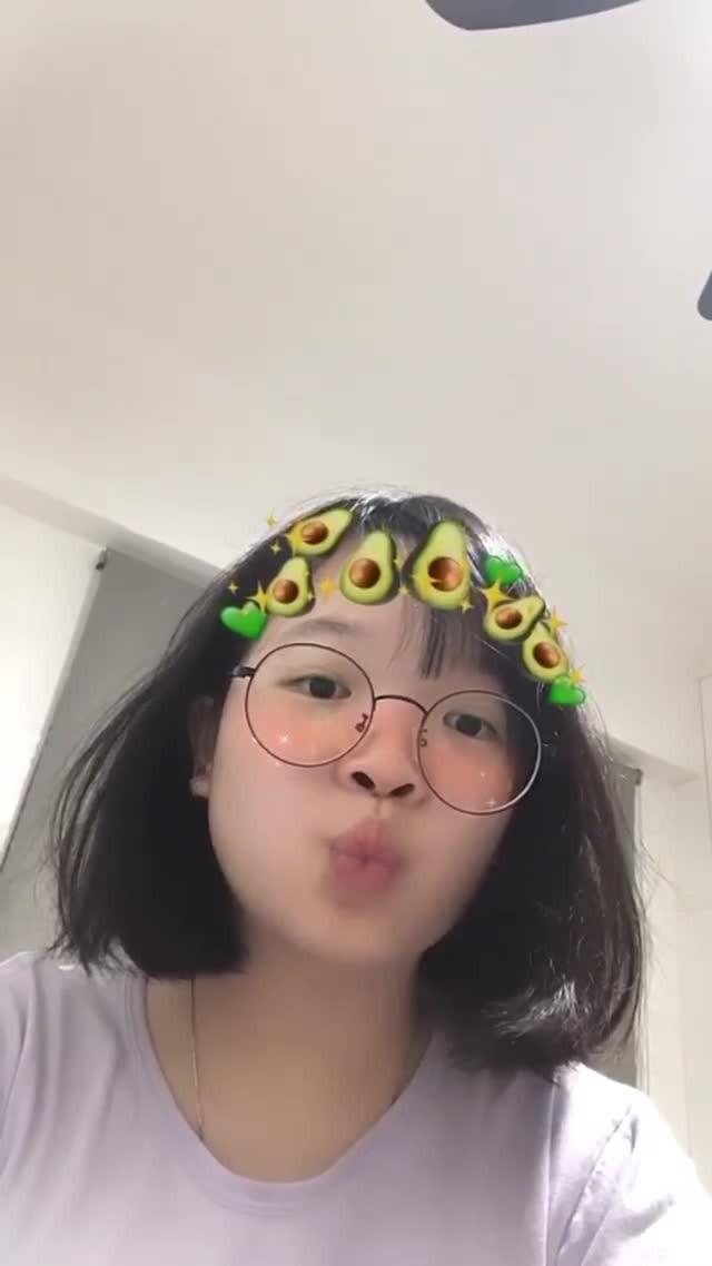 chloelee1404 Instagram filter 𝕒𝕧𝕠𝕔𝕒𝕕𝕠