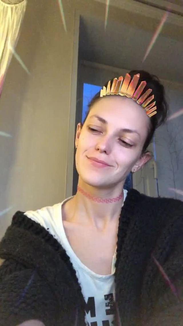 olgakhatkovskaya Instagram filter Crystal crown