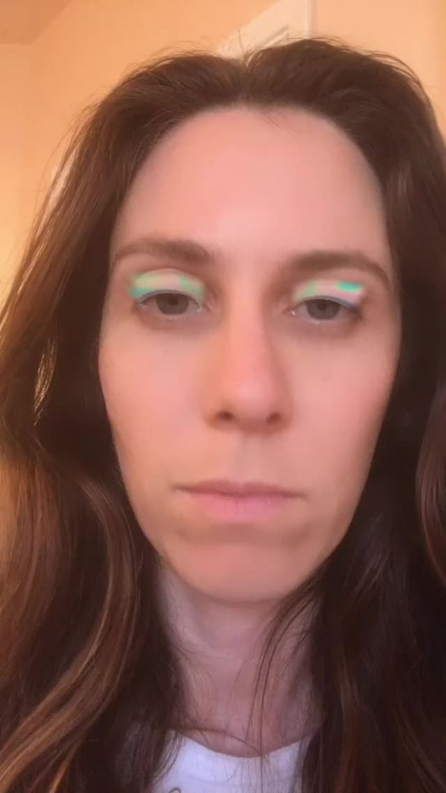 Instagram filter iridescent eyeshadow