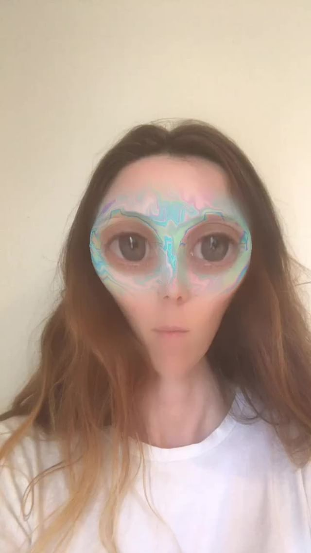Instagram filter Alien Emoji