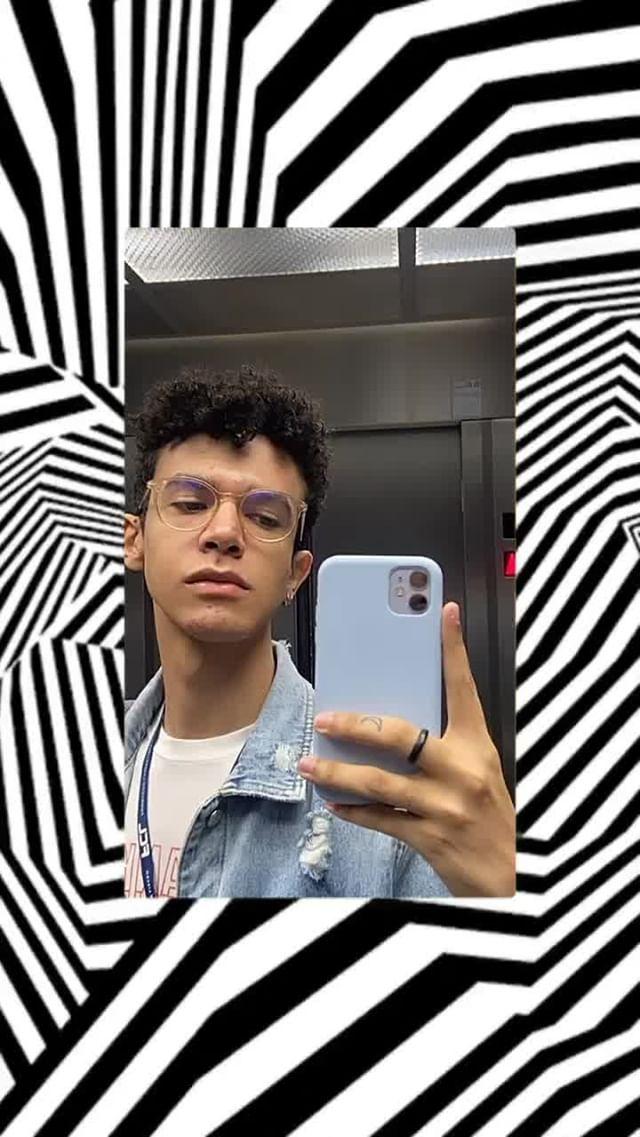 Instagram filter geometric frame