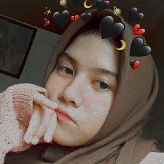 riaannda Instagram filters profile picture
