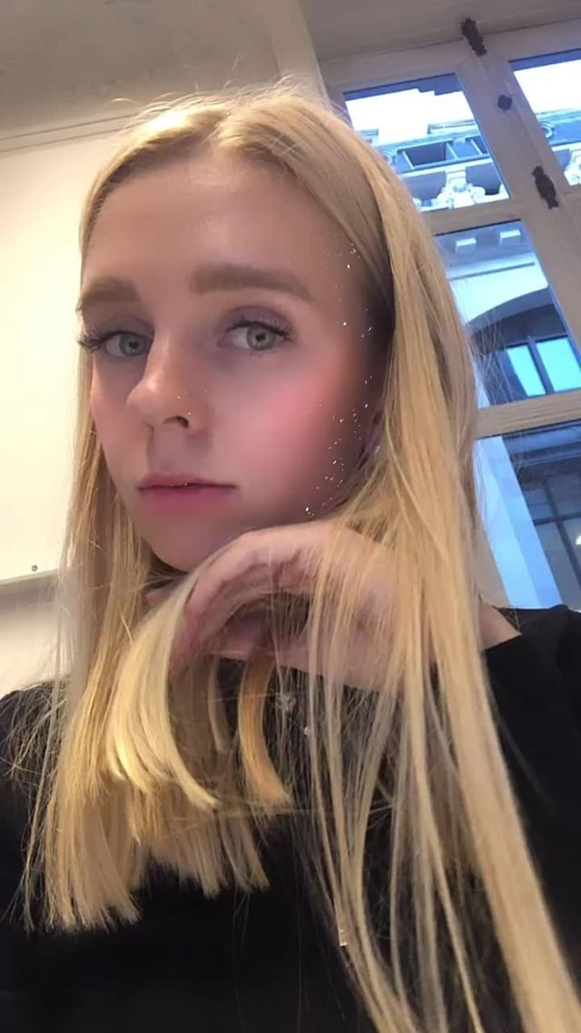 Instagram filter YSL glitter