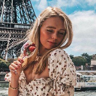 dasha.kochukova Instagram filters profile picture
