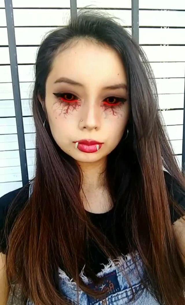 andreantonella Instagram filter vampire