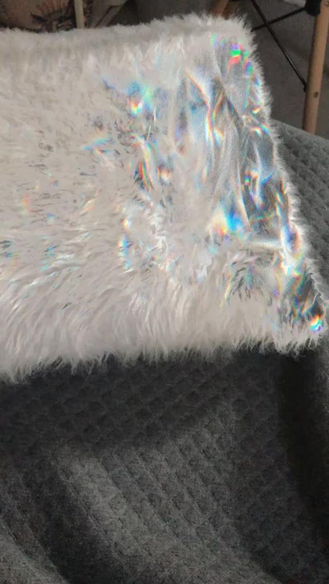 andreantonella Instagram filter iridiscente
