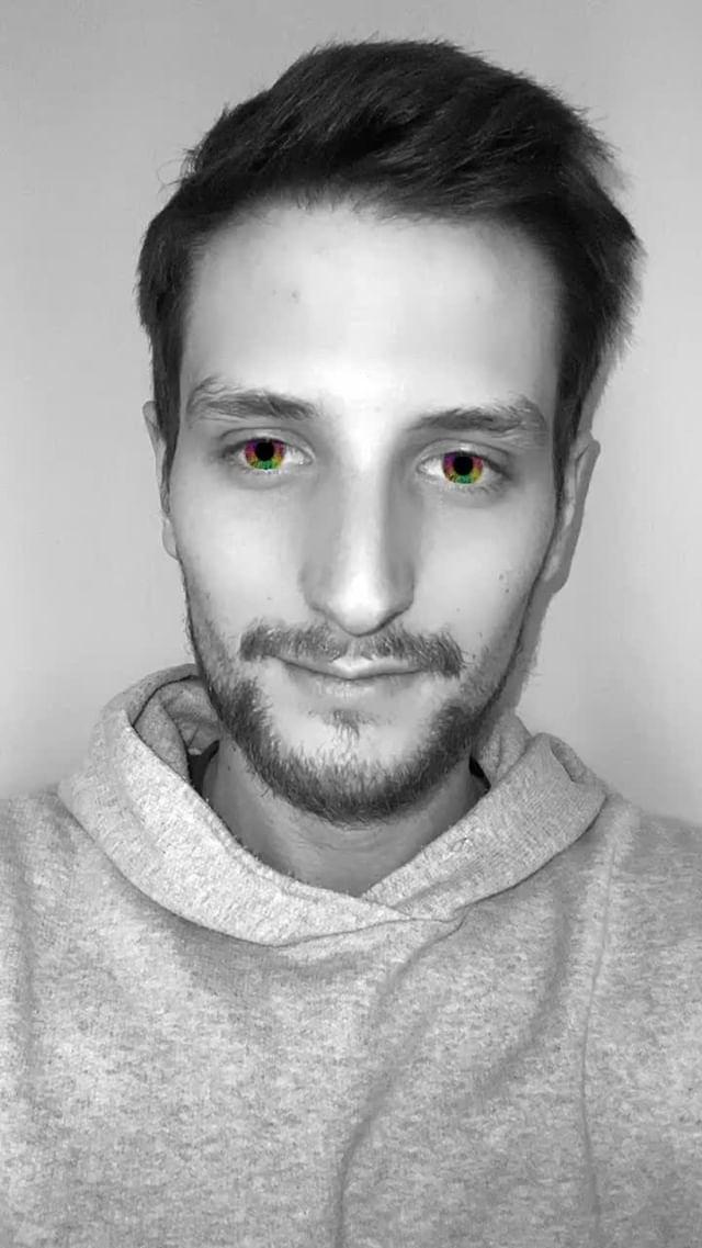 Instagram filter Rainbow Eyes
