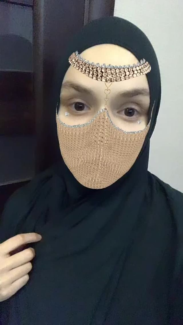 Instagram filter Arab