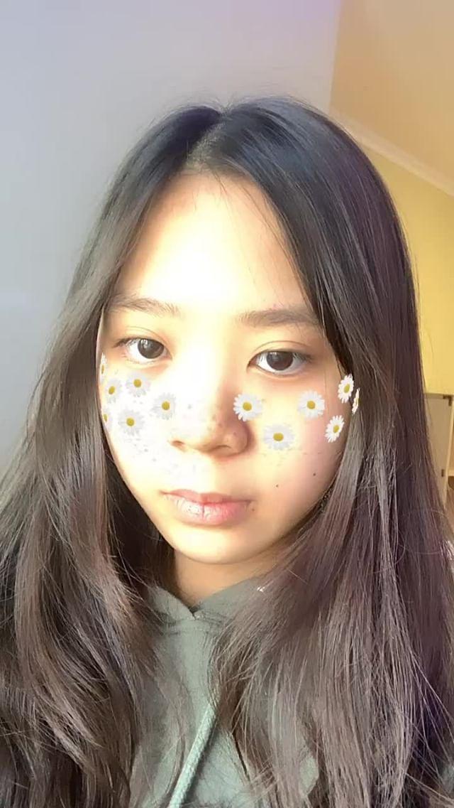 julia.hyojeong Instagram filter Sunflowers