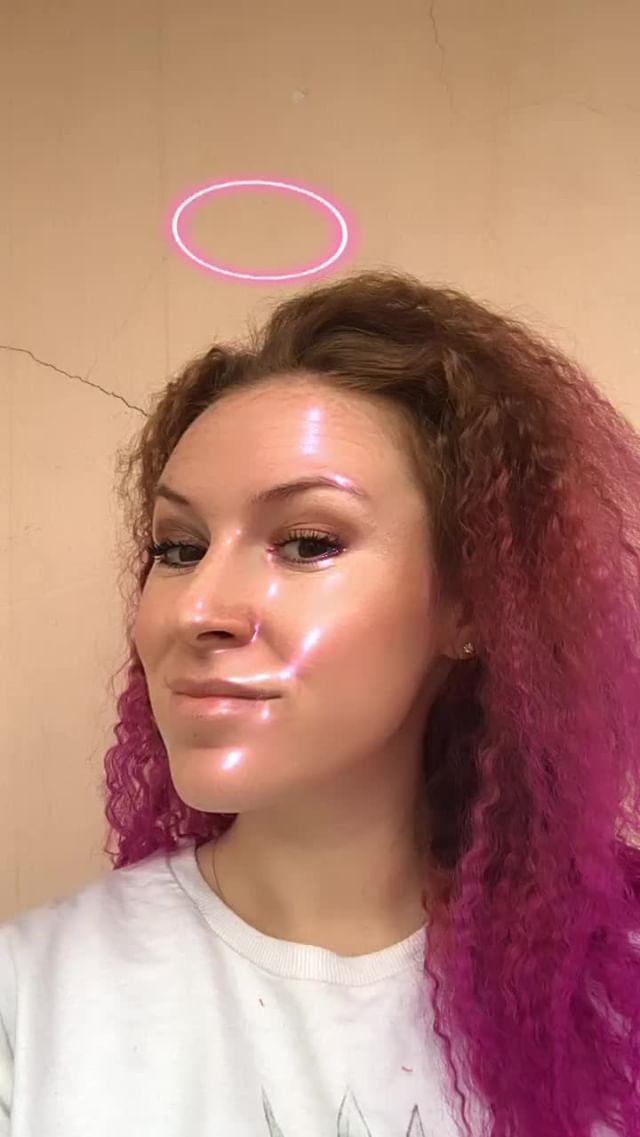 natachaborisovnna Instagram filter gloss pink face