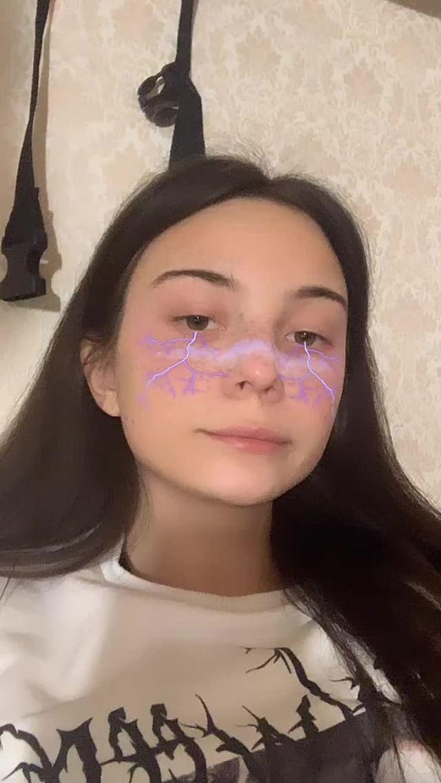 Instagram filter молнии вайлет