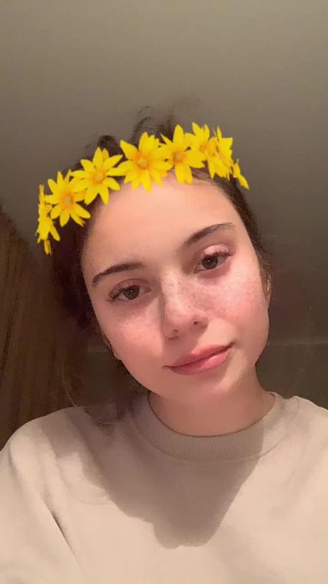 Instagram filter жEEелтый