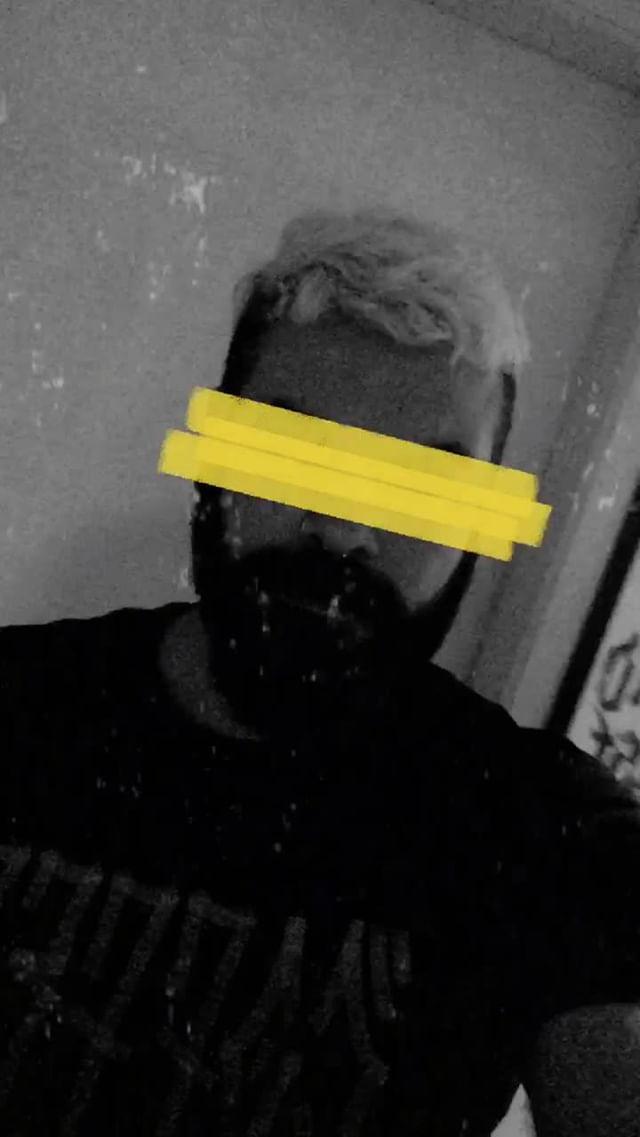 Instagram filter poster marone
