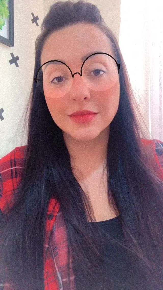 sabrinamendesme Instagram filter cute glasses