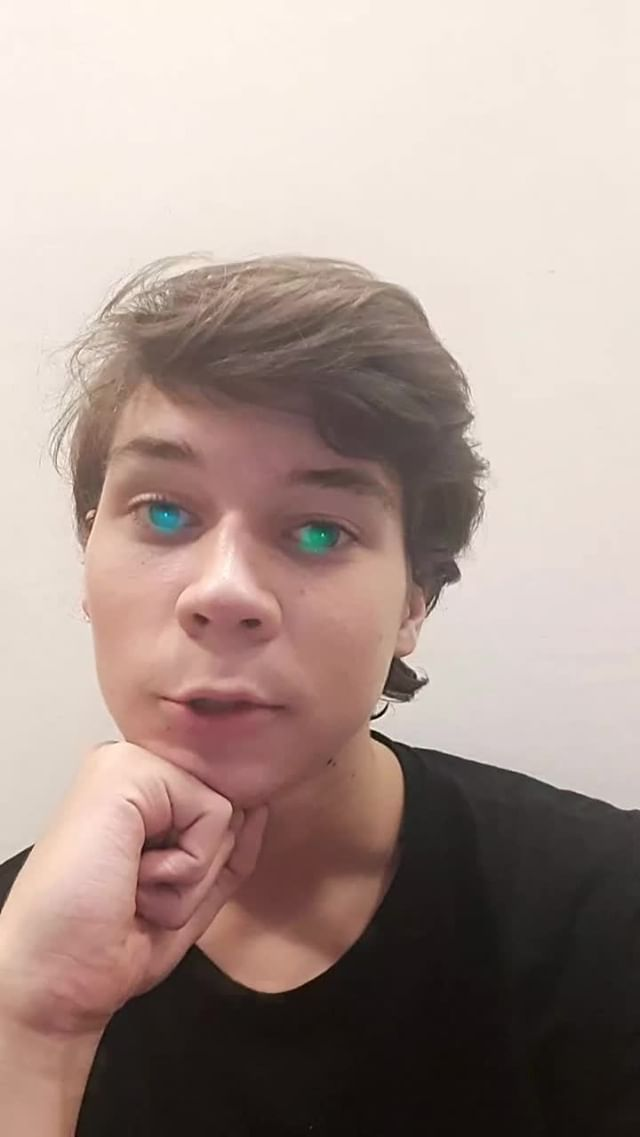 Instagram filter Blue and Green Eyes
