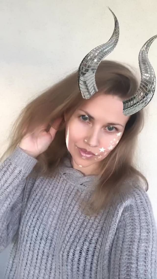 Instagram filter Mirror horns