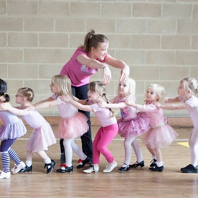 Twirling Toddlers | Kenilworth