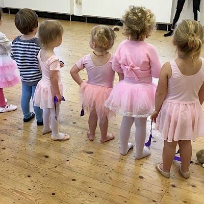 Baby Ballet & Baby Street: 2-4 years