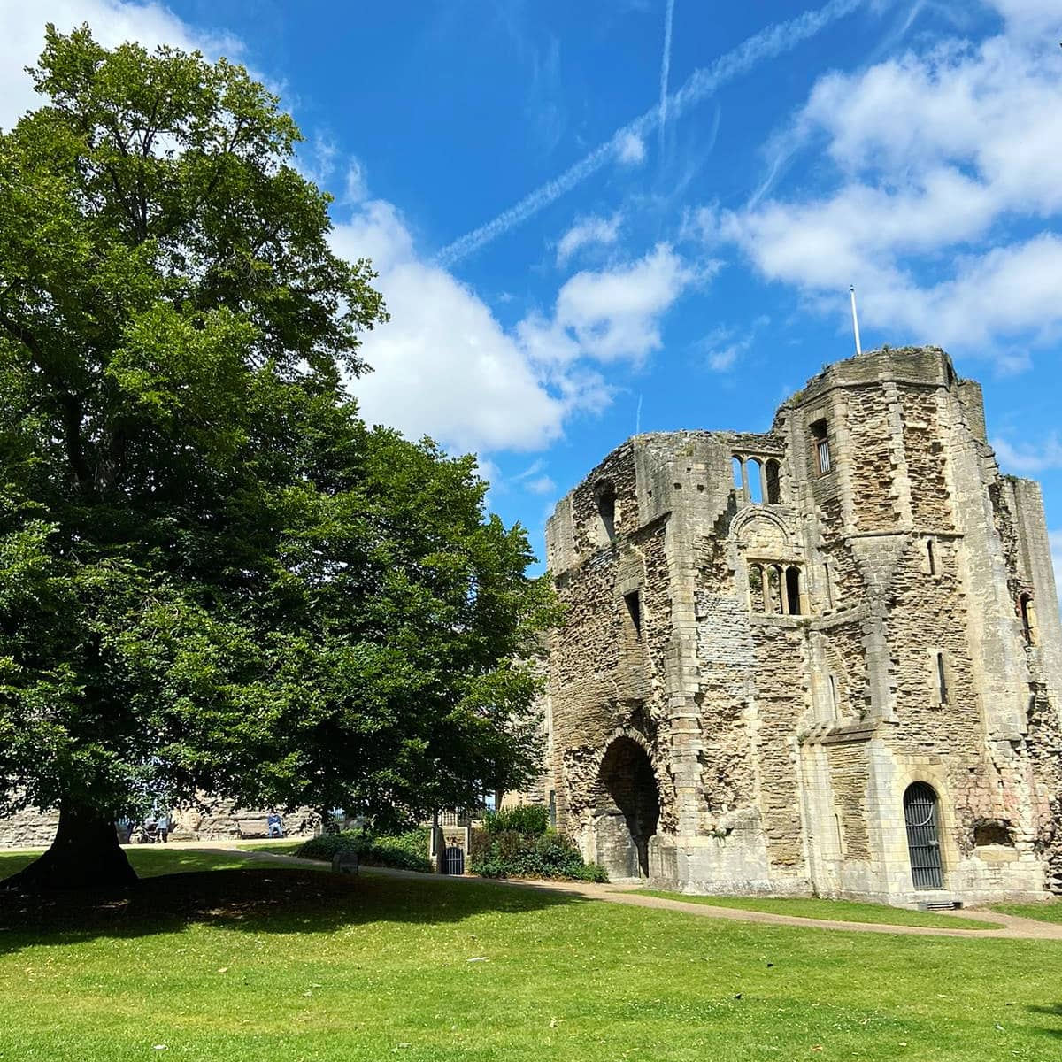 Treasure Trails - Newark Town, Castle and River