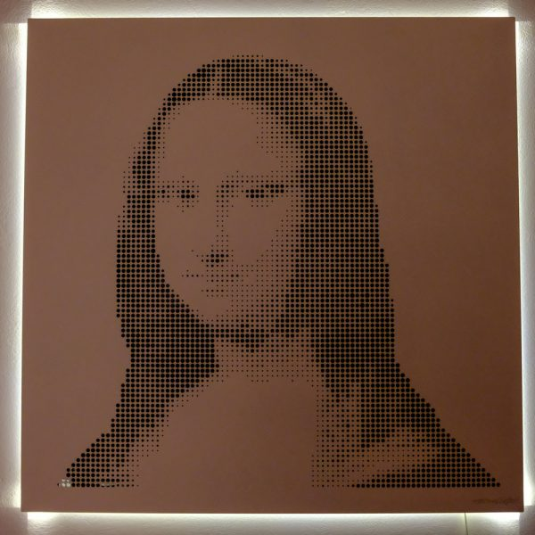 Vasilios Roumeliotis - Mona Lisa - pink-warm light