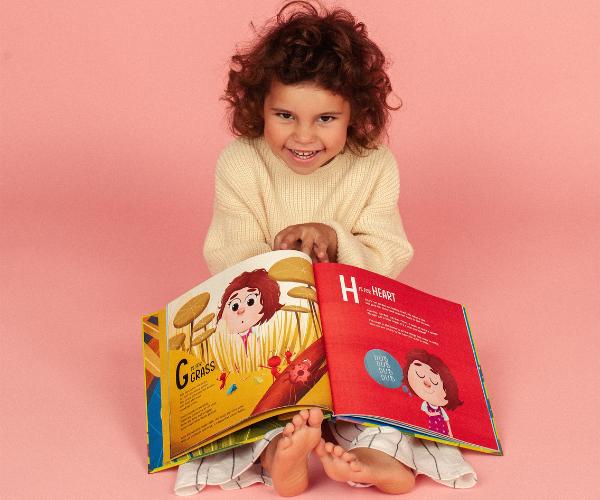 NAMEE Alphabet book - Rita meets ABC.png