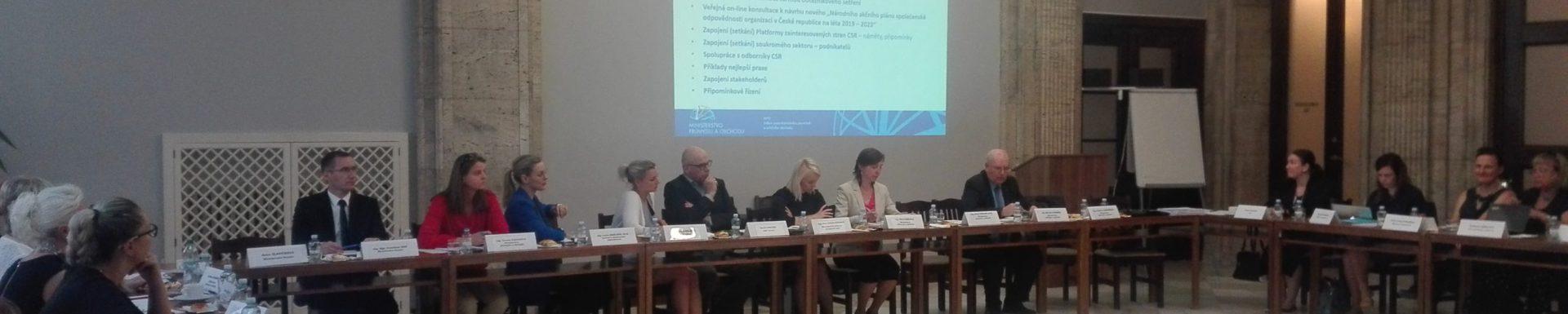 Jednání kulatého stolu s podnikateli k návrhu nového Národního akčního plánu CSR