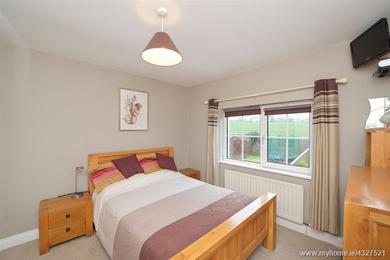 775 Nicolls St.bedroom