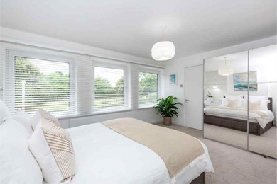Large master bedroom 2