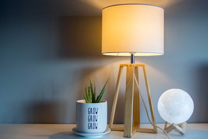 Wood desk lamp