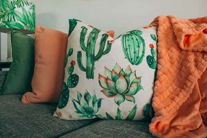 Organic cotton printed cushion
