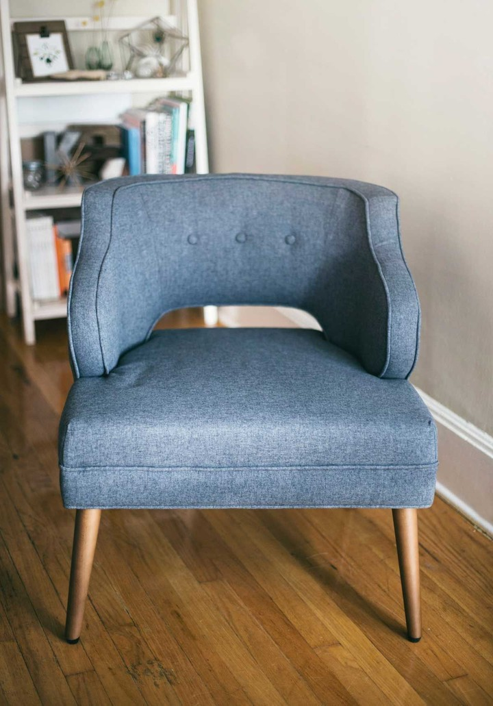 Sustainable gray armchair