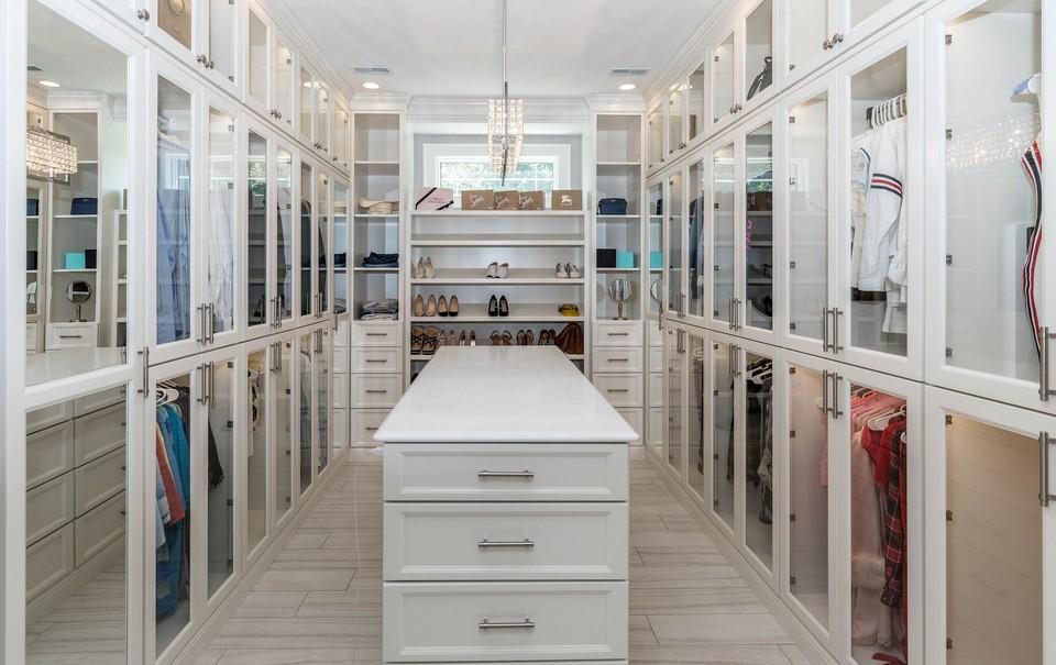 Quality sustainable closet