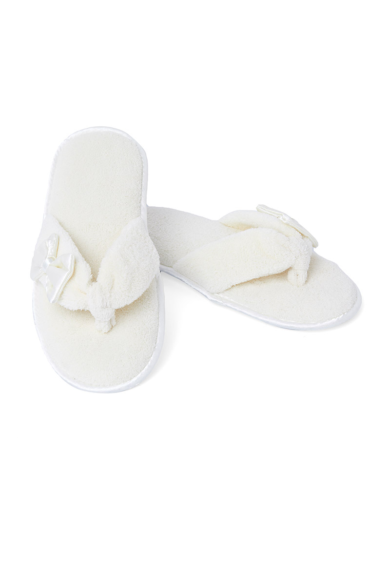 f7e91bf75d1449 Buy Thong Slippers Online at Nayomi