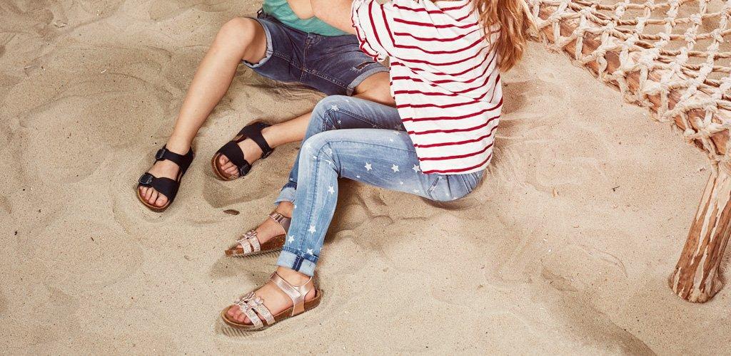 nelson-blog-nelson-welke-slippers-en-sandalen-zijn-geschikt-op-de-camping-2.jpg